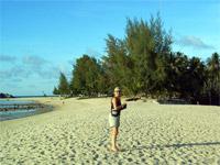 Angie am Strand von Mae Haad, Koh Phangan